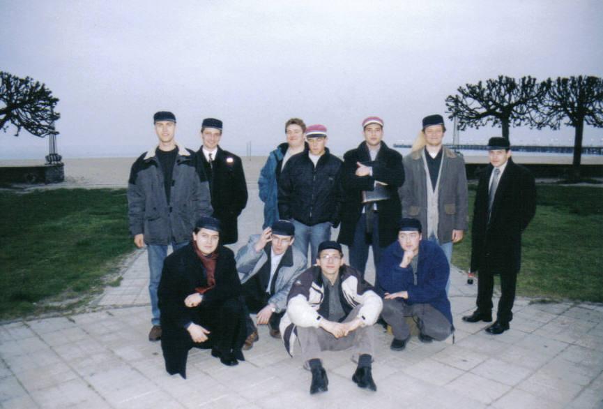 2001-molo